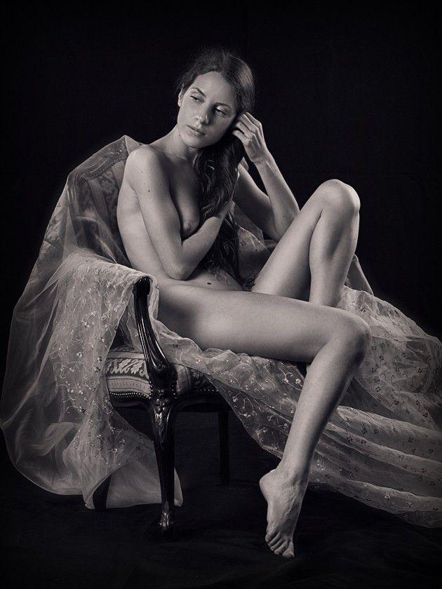 Raven indian bikini model