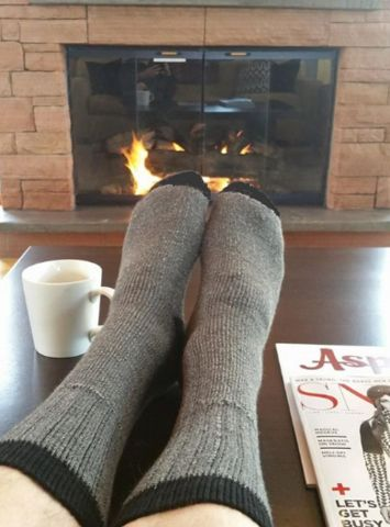 alpaca-socks-outdoor-adventure-grey-aspen