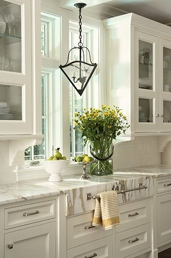 Love this kitchen!: Idea, Lights Fixtures, Marbles Countertops, Towels Racks, Towels Bar, Kitchens Cabinets, White Cabinets, Design, White Kitchens