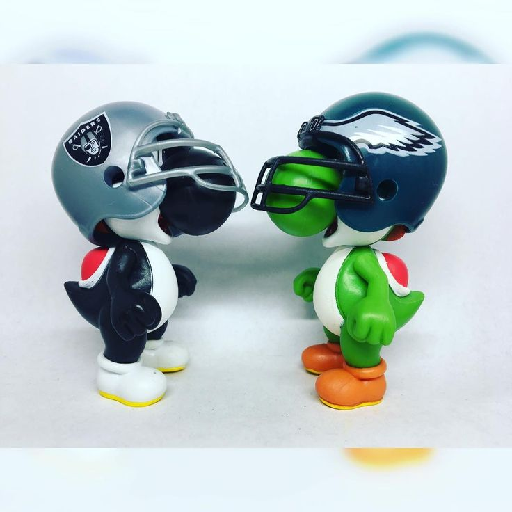 """World of Nintendo: Black Yoshi as Derek Carr Green Yoshi as Nick Foles (2.5"""") ------------------- Christmas Day Raiders take on the Eagles in Philadelphia Raiders playoff chances have diminished while Philadelphia pretty much owns the NFC. Kind of a pointless game on Oakland's side but still gonna be a good one.  What do I want for Christmas? At least one more Raiders win before the year ends ------------------- #worldofnintendo #nintendo #supermario #mario #yoshi #blueyoshi #blackyoshi #nfl…"""