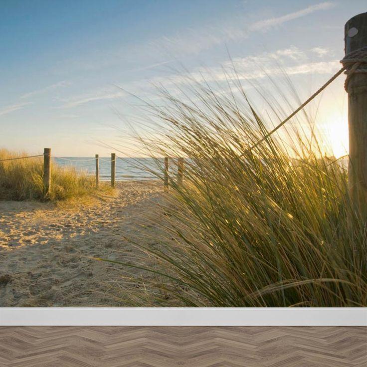 Het is toch net of je zelf echt op het strand zit? Lekker genieten in je luie stoel, zonder zand aan je voeten. Het strand ligt letterlijk aan je voeten met het fotobehang Strandovergang. Kies uit één van onze typen fotobehang. Het fotobehang Strandovergang is milieuvriendelijk geproduceerd en bovendien PVC vrij. Dit