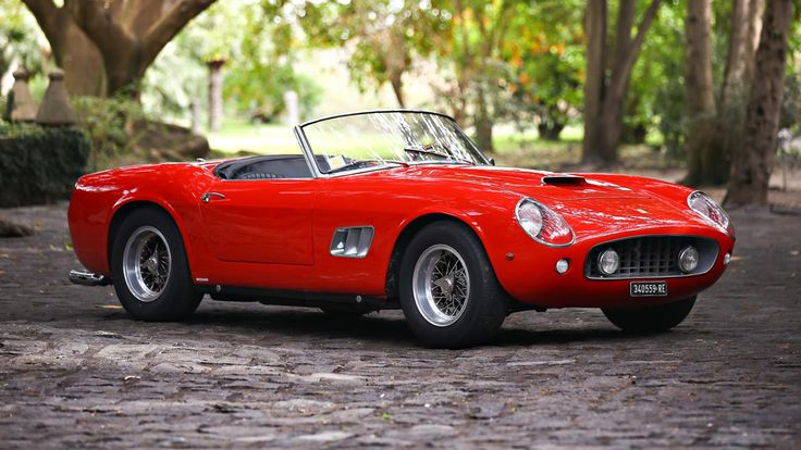 Gooding & Company have announced that this gorgeous 1961 Ferrari 250 GT is going under the hammer in Florida next month. What a beauty!