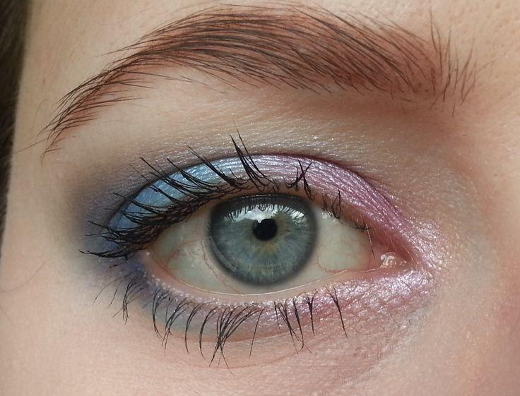 Meteorite eyes using BH Cosmetics Galaxy Chic palette.