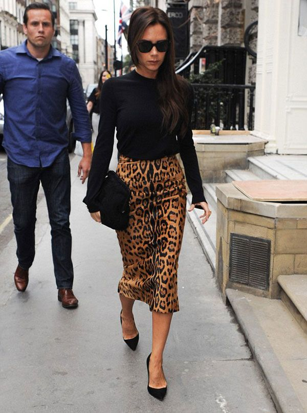victoria beckham look animal print