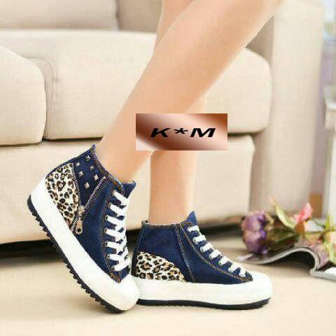 Sepatu 104