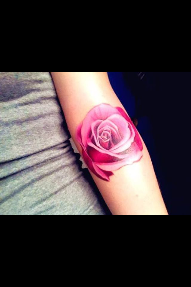 pink, the colour of a rockstar... what a beautiful rose tattoo