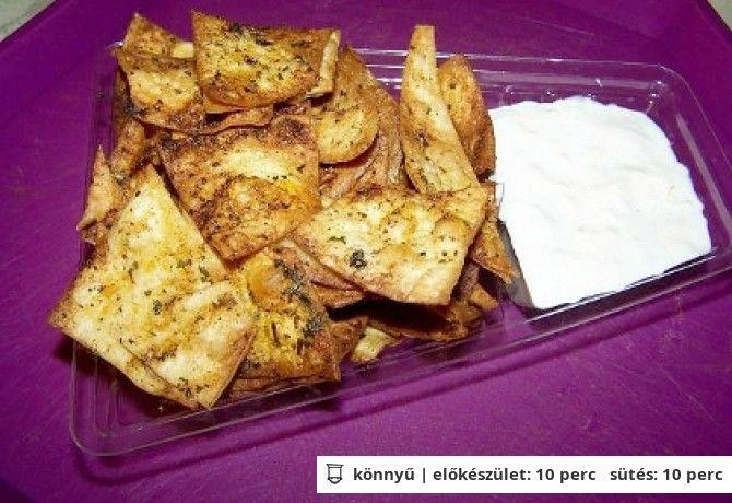 Házi nachos tejfölös mártogatóssal