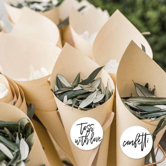 7 natural alternatives to wedding confetti