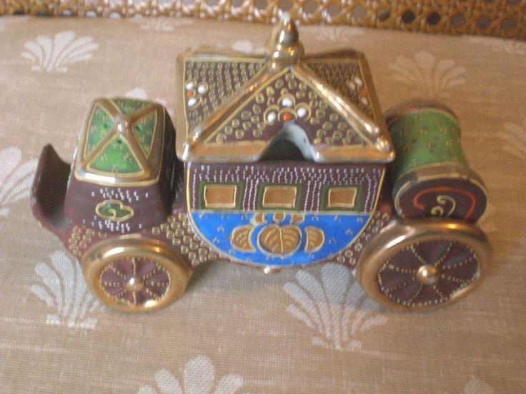 Vintage Japan Moriage Carriage or Coach Condiment Set Salt