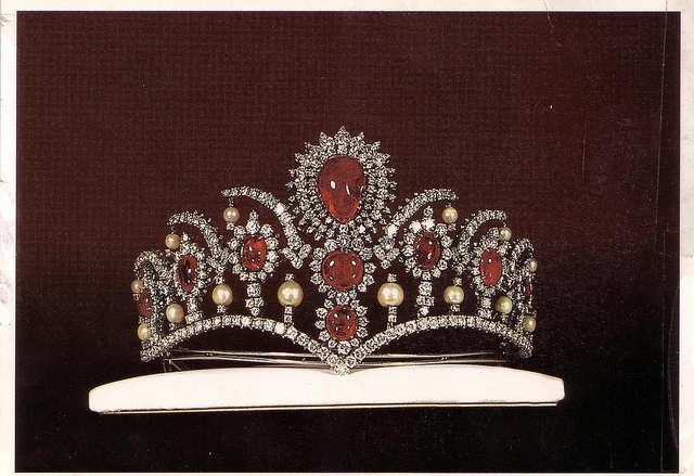 The royal ruby tiara, presently displayed at The Treasury of National Jewels of Iran, made by Leon Abedian