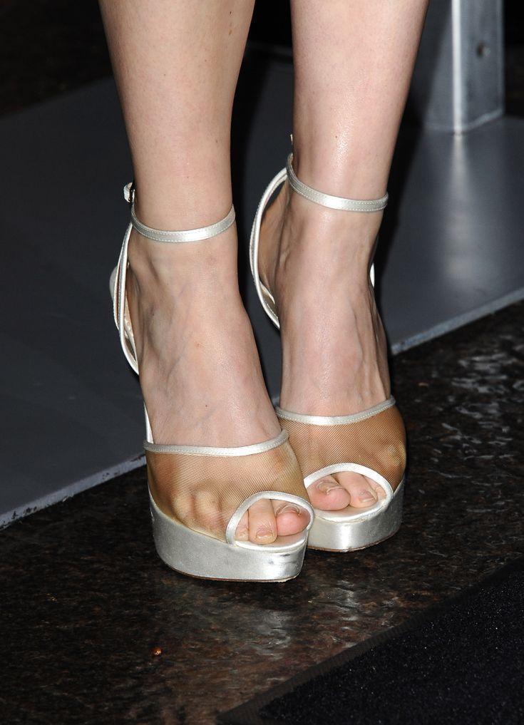 Kate Mara's Feet | Celebrity feet and toes in 2019 | Kate ...