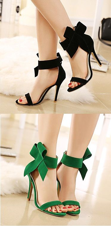 Super hot high heels with a cute bow knot! Perfect for your shoes collection.