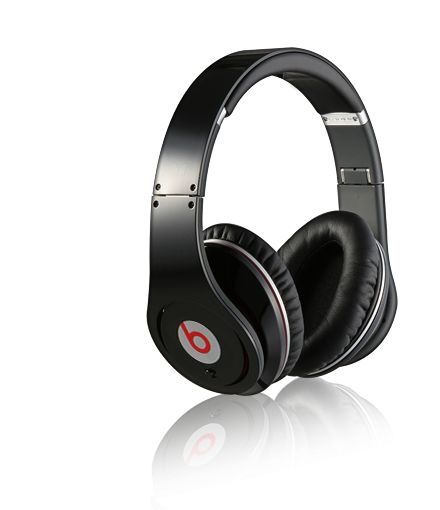 Monster Beats by Dr. Dre Studio High Definition Headphones Black with classic design and fashion element, you can wear this dr dre hd headphones in anytime, it never out of the fashion.