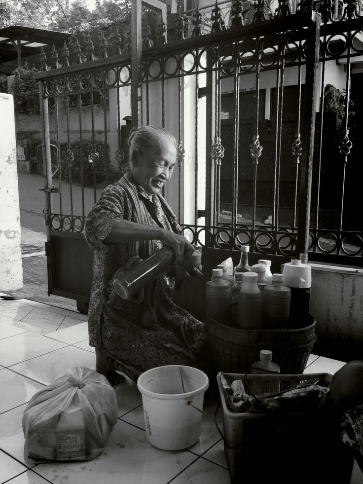 mbok jamu: the seller of herbal medicine.
