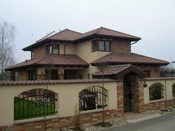 - Mediterrán családi ház