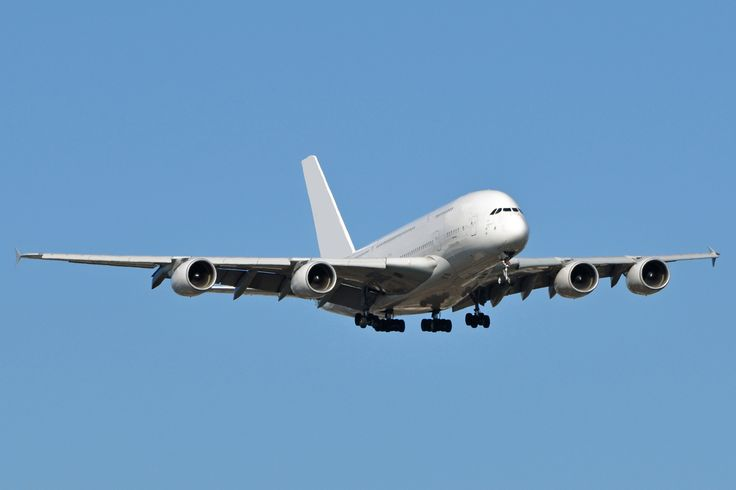 Airbus cuts A380 delivery target