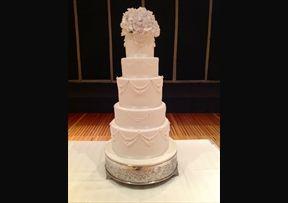 White elegant swag piping #Wedding #Cake