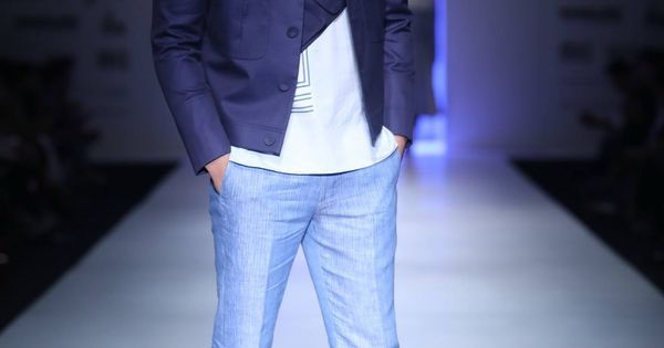https://www.pinterest.com/r/pin/284008320235486686/4766733815989148850/9bcef07db63b727f22e85088d7ae00cb987519ac00305f7f92ecb13857438608    #indian #fashion #show