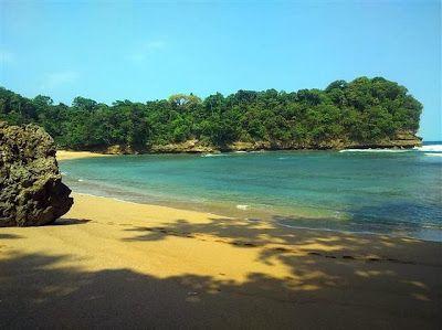 PERGIPEDIA  - Menikmati Kesunyian Di Pantai Kondang Sugu Malang Jawa Timur . Pantai - pantai yang...