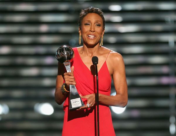 Robin Roberts Honored With Courage Award At ESPY Awards. Such strength and courage sharing her battle with chemo and bone marrow transplant with the world.