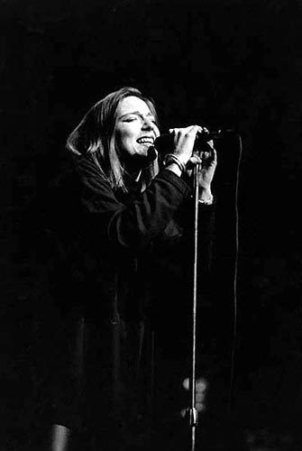 Beth Gibbons (Portishead) I just wanna be a women... Seen!!!!!! Amazing one of my favorite concerts.