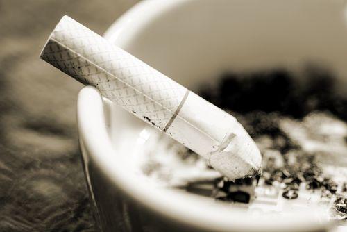 Πόσο χρόνο απ' τη ζωή σου στερεί κάθε τσιγάρο που κάνεις; - http://ipop.gr/themata/frontizw/poso-chrono-ap-ti-zoi-sou-steri-kathe-tsigaro-pou-kanis/