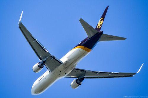"kekemachida:  ""Tokyo, Narita International Airport (NRT/RJAA) / United Parcel Service Boeing767-300ER(F)  """