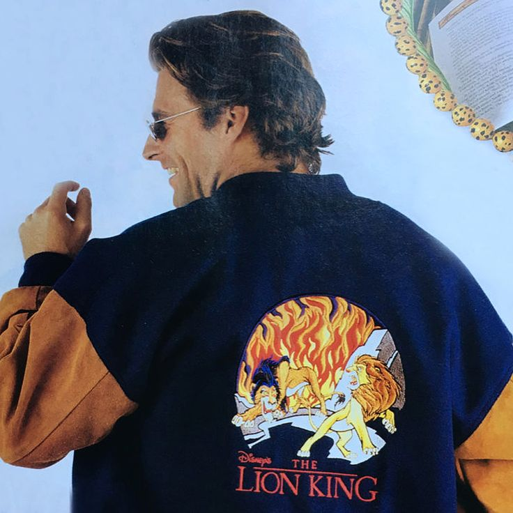 @DisneyStyle's making nostalgia the mane event! 🦁🎉 Check out '90s #TheLionKing gear from @DisneyStore on the blog.