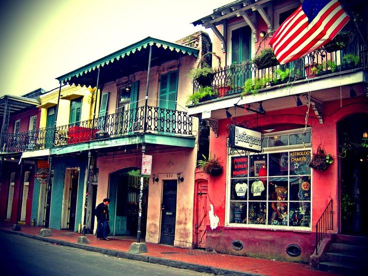USA, La Nouvelle-Orléans, Quartier français : Façades colorées