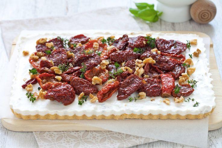 Cheesecake alla ricotta, noci e pomodori secchi