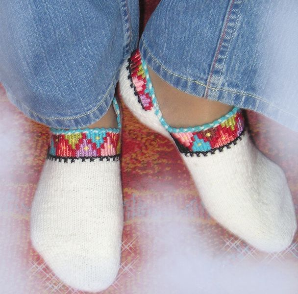 носочки с вышивкой
