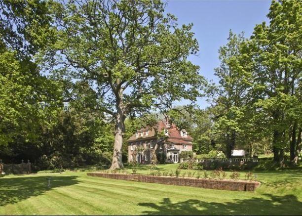 c6567232a266dbcbdf7c0192942fe81d - Property For Sale Kew Gardens London