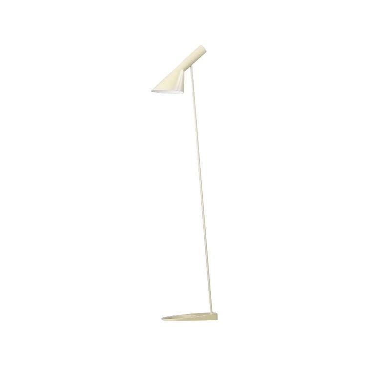 AJ golvlampa i trycksvarvat lackat stål, lampfot i gjuten zink med stativ av stålrör. AJ lampan har en skärm med en asymmetrisk form som ger den dess karakteristiska ljusbild. Skärmen kan ställas. Lampfoten har ett hål som förhöjer elegansen och lättheten i lampans design.