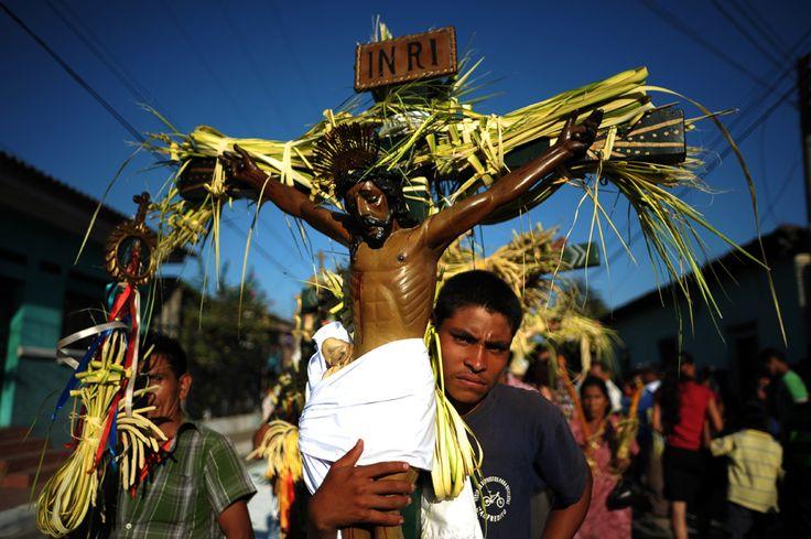 Easter in El Salvador, 28 March 2013. (  Jose Cabezas / AFP  )