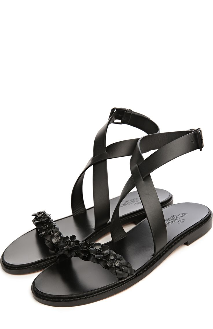 Женские черные сандалии Valentino, арт. KW2S0063/BUC купить в ЦУМ | Фото №2
