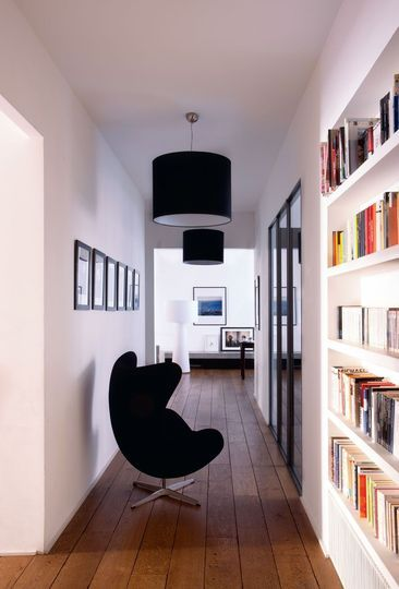 Appartement paris de l 39 architecte antonio virga paris for Photo couloir maison