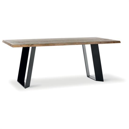 Tavolo fisso con gambe inclinate metalliche e piano in legno.