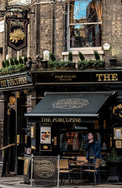 The Porcupine Pub - Shaftesbury Avenue, London. Astrogeographic position: in the higly defensive, alert water sign Scorpio the sign of fortresses and in the creative, non- conformist air sign Aquarius for field level 4 which describes the atmosphere of the building itself.