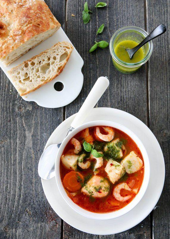 Tomatisert fiskesuppe med urteulje. Trines malblogg.