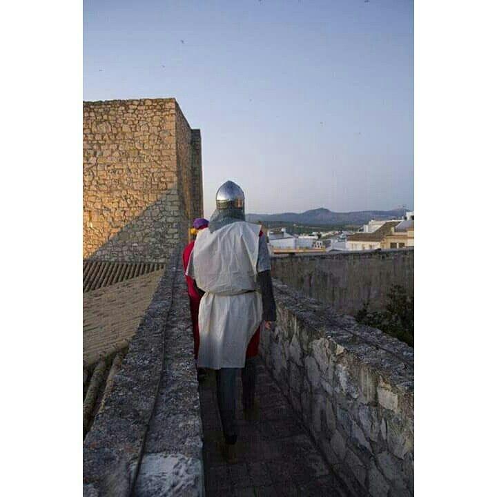 A lo largo de los siglos, Lucena ha sido testigo de importantes hechos históricos, al igual que cuna de grandes pensadores, poetas y héroes, como es el caso del gran Rabí Ibn Gayyat y de Don Diego Fernández de Córdoba, quién apresó al último rey de la dinastía de los nazarí, Boabdil.