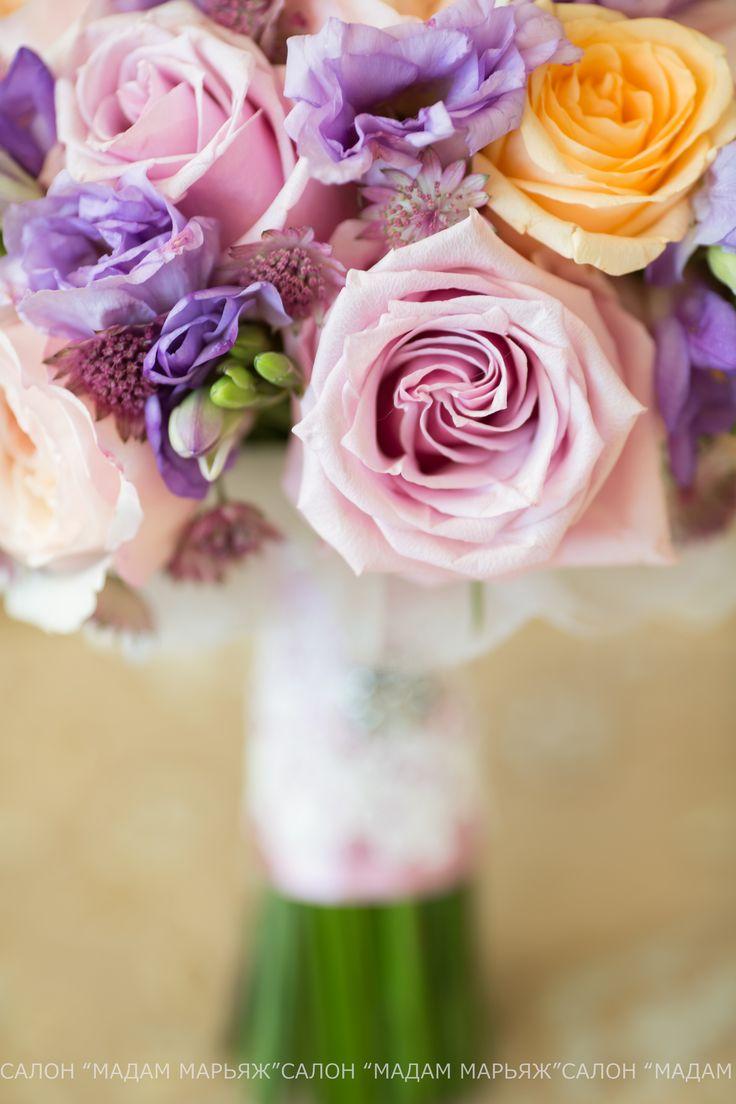 Нежный и мягкий букет невесты в холодную зимнюю погоду. Идеи для вдохновения здесь http://vk.com/public43284539