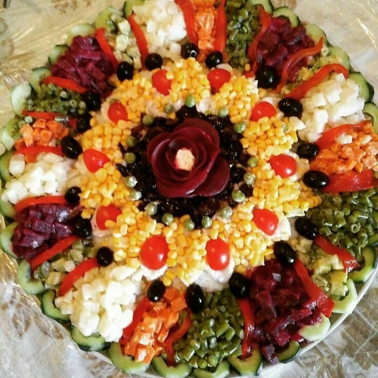 Epingle Par Tyane Hennsey Sur Entree Froide Cuisine Marocaine Salade Marocaine Decoration Salade