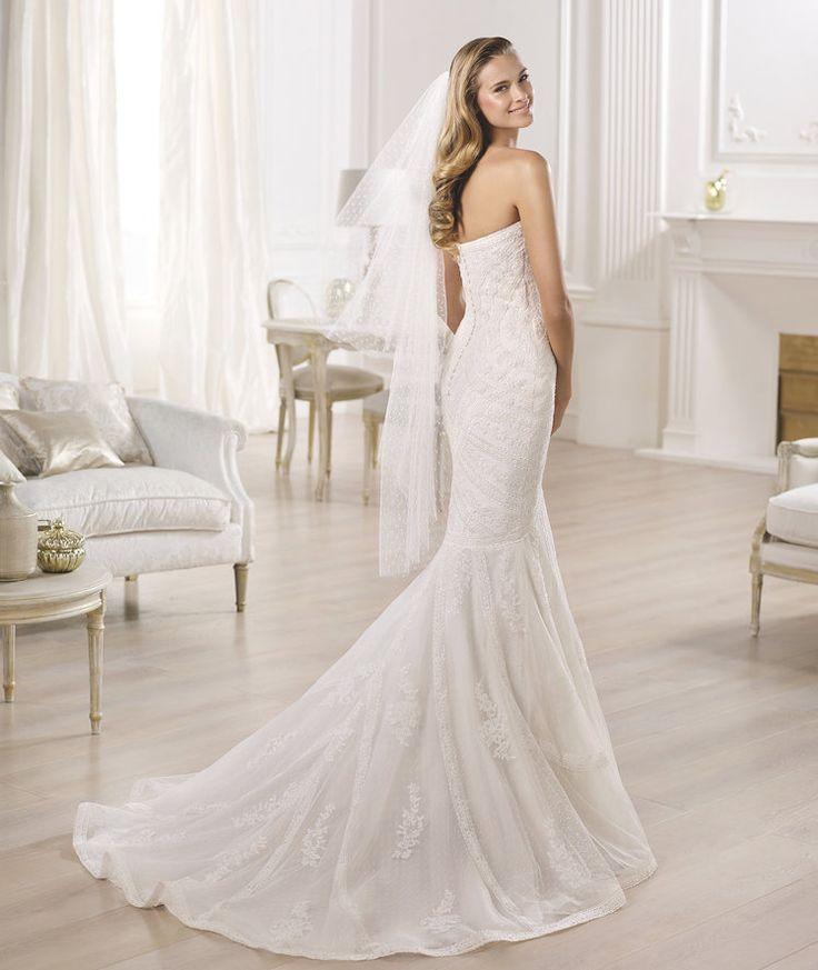 Trending Brautkleid aus der Pronovias Brautmoden Kollektion bridal dress from the Pronovias collection