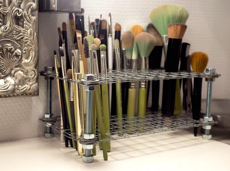 Brush Holder Industrial Style Sandra Holmbom Amazing