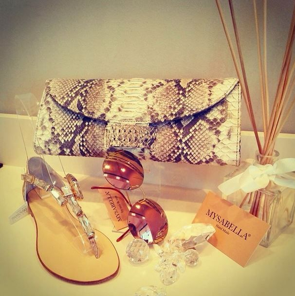 #mysabella #sandals #swarovski #swarovskielements #cashhimi #sunglasses #papary #love #shoelove #fashion #bodrum #palmarina #store