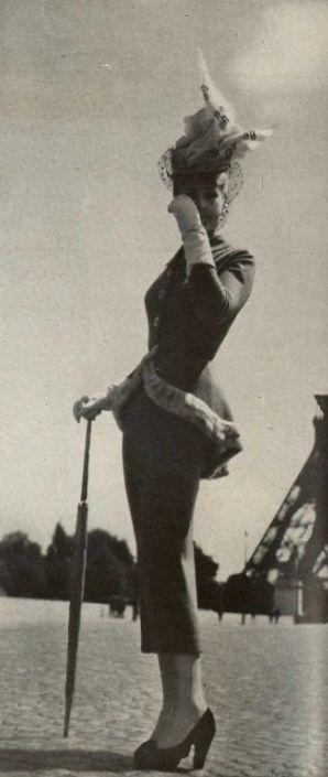 1947 Jacques Fath, this suit is fabulous! Women's vintage fashion images photo photography