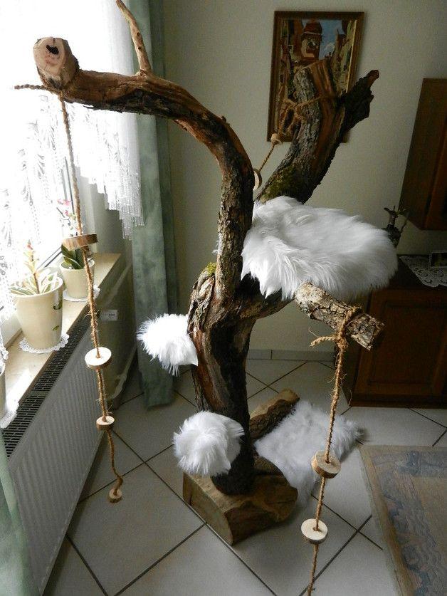 Naturnaher Katzen-Kratz- und Kletterbaum, Spielbaum    in Handarbeit vom Künstler gefertigt.    Ich biete hier ein absolut einmaliges, einzigartiges Unikat, wie es am Markt nicht verfügbar ist und...