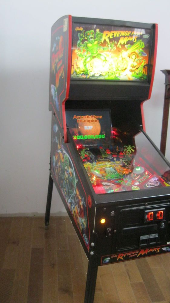 REVENGE FROM MARS Bally 2000 Pinball Machine (eBay Link) | Arcade
