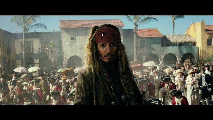 """Einmal mehr hat sich der Schicksalswind misslich gegen Captain Jack Sparrow gedreht und mordshungrige Geister-Matrosen, die dem berüchtigten Teufels-Dreieck"""" entkommen sind, sollen jeden Piraten auf hoher See töten – ganz oben auf ihrer Liste steht: Jack! Sein alter Erzfeind, der furchteinflössende Captain Salazar (Bardem) führt die Bande an und jagt Jack Sparrow unerbittlich. Jacks einzige [ ]"""