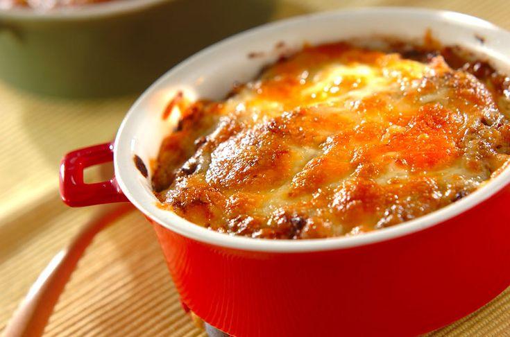 寒い日には熱々ドリアで夕食。市販品を利用すればお手軽にできます。野菜たっぷりカレードリア/西川 綾のレシピ。[洋食/米料理(リゾット等)]2015.02.04公開のレシピです。